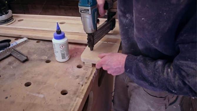 Make THIS low costs DIY Circular Saw Guide! FREE PLANS