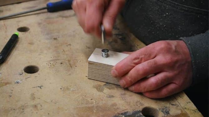 EVERYONE can sharpen drill bits with THIS jig